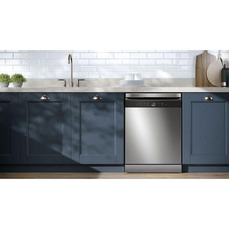 V2-Dishwasher_LL14X_Kitchen_Lifestyle_Wide_Frigidaire_Spanish-p-800